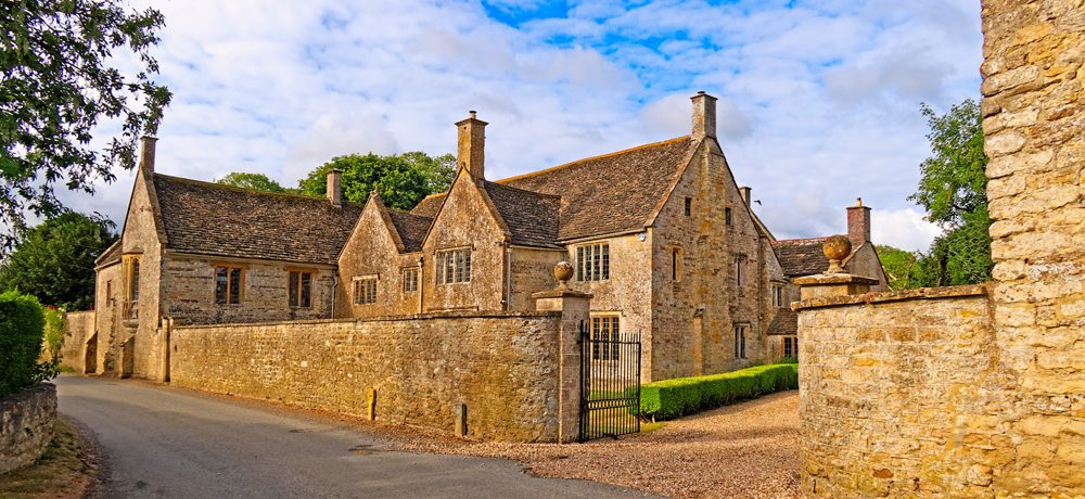 Purse Caundle Manor